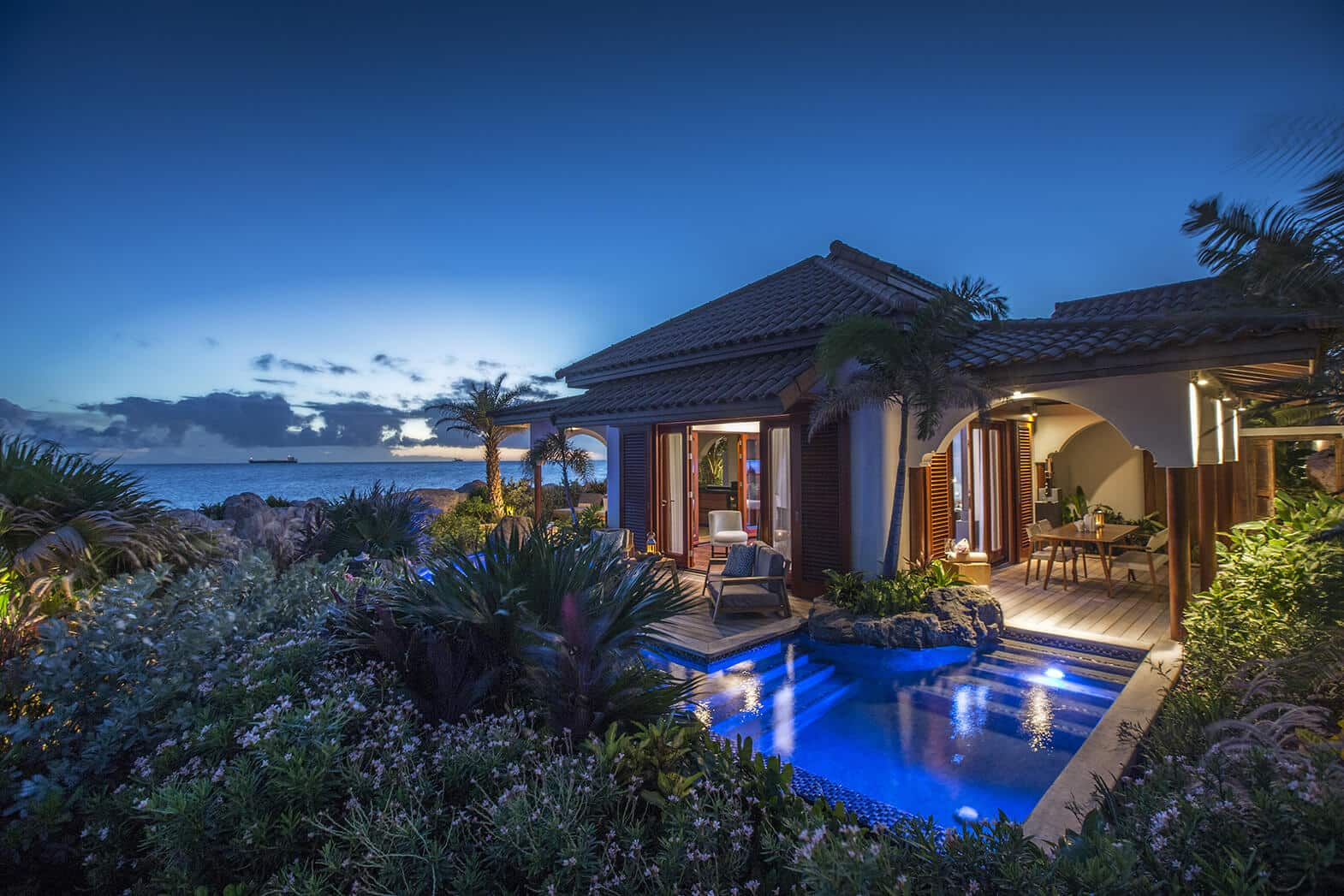 Superior-Beach-Front-Pool-Suite-by-Night