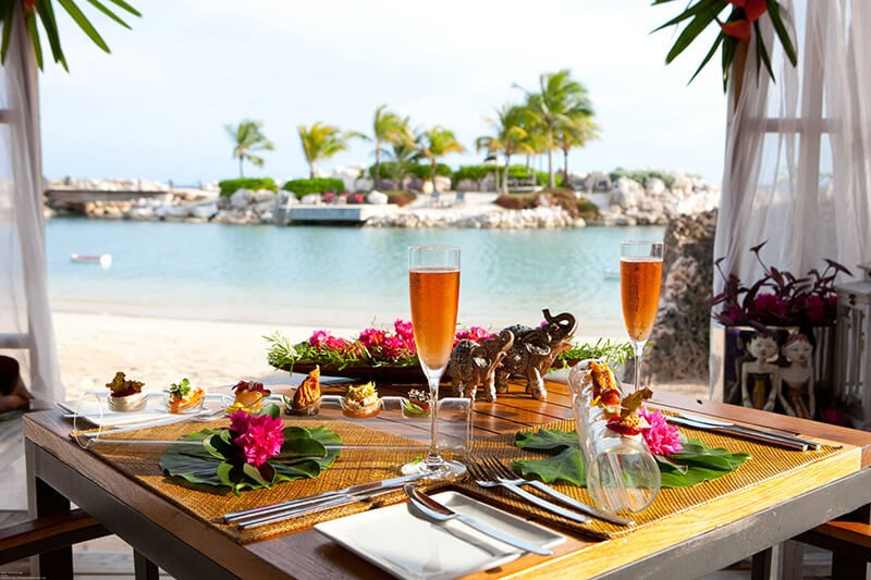 Restaurant-Gazebo-Table-Setup-with-View-of-Bibi-Island-2