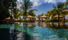 Baoase Luxury Resort Infinity Pool and Gazebos