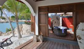 Baoase Superior Beachfront pool Suite